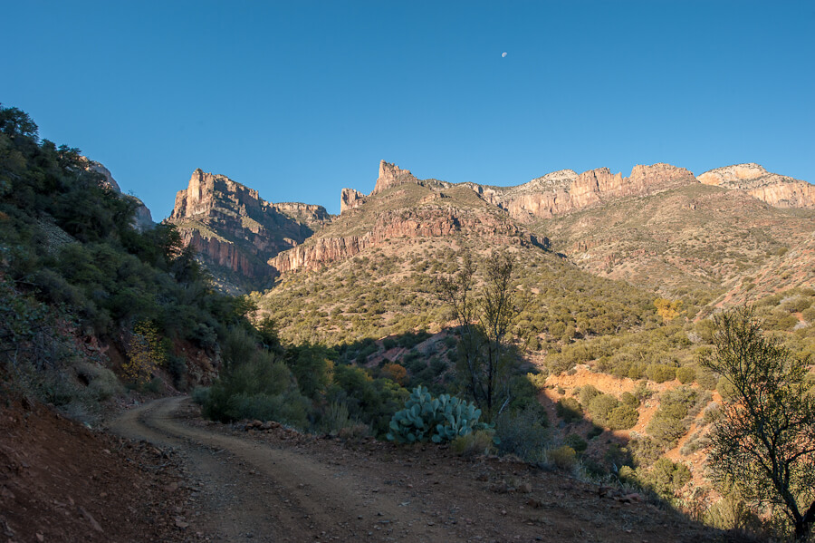 Long shot of Cold Spring Canyon from the access road - by Jabon Eagar