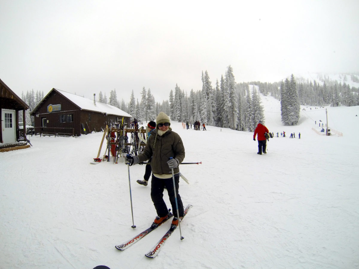 Winter in Oregon - Merelyn on skis
